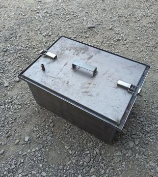 Коптильня 450*300*250 сталь 2 мм.