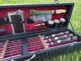 Набор шампуров в шкатулке (с фляжкой+зажигалка и фонарик)