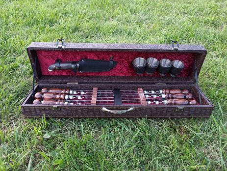 Набор шампуров в шкатулке малый