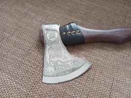 Кованый топор ручной работы Волколак средний